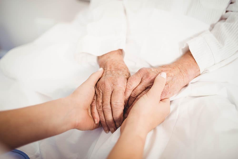 除了癌症病人,這八類疾病也能接受「安寧療護」